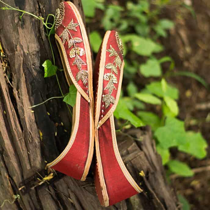 PADUKKI 10 Hand Crafted Mojri