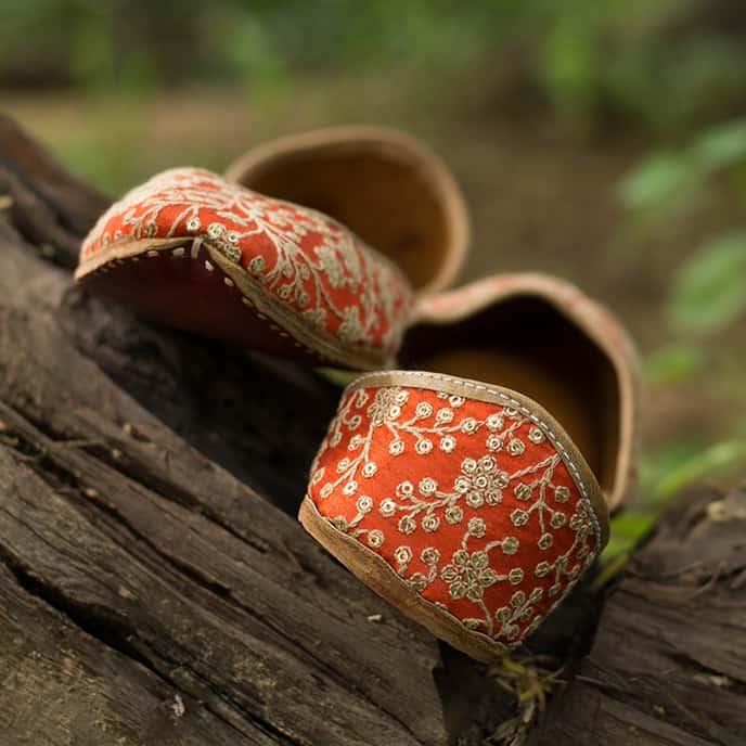 PADUKII 04 Thread Embroidery on Upper